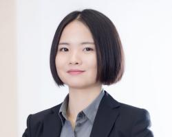 Frau Yanfei Ru