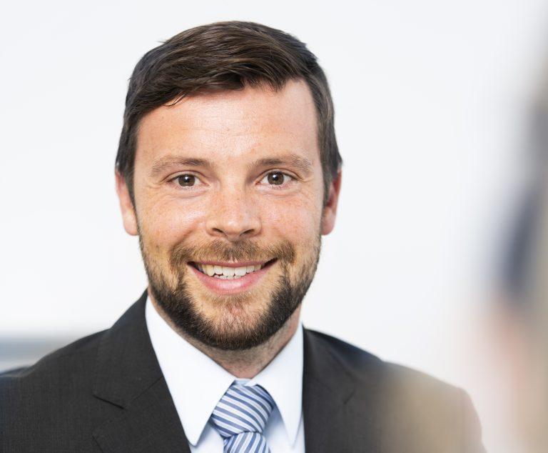 Herr Dr. Marius Vieweg