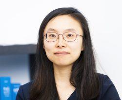 Frau Jingying Xu