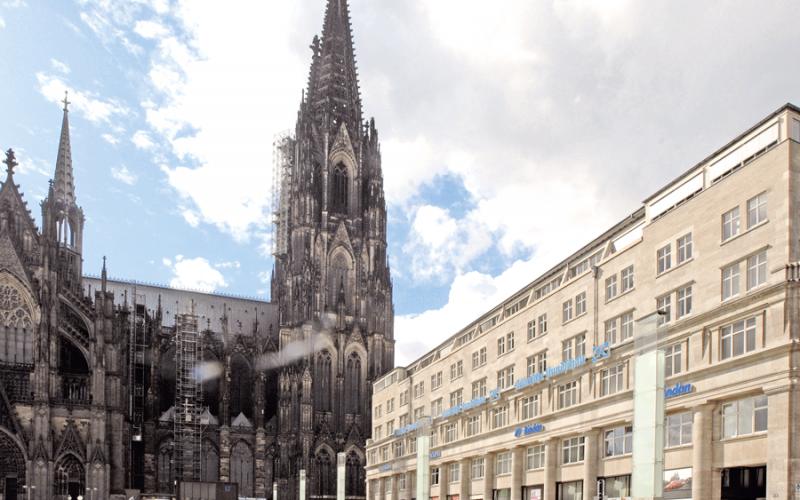 dompatent Deichmannhaus Außenaufnahme am Dom