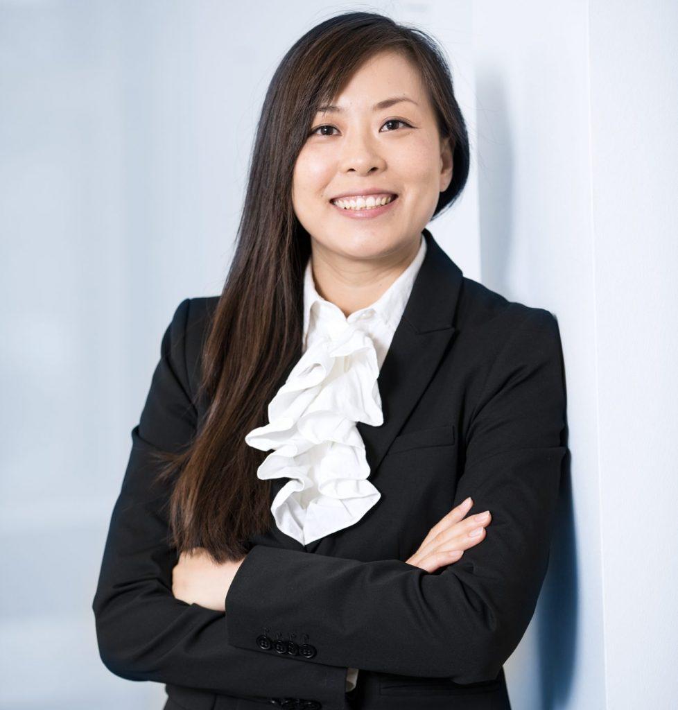 Frau WanZe Zhang